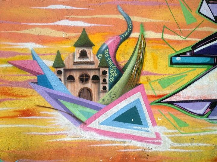 frontier-free-drifting-la-candelaria-bogota-castle-graffiti