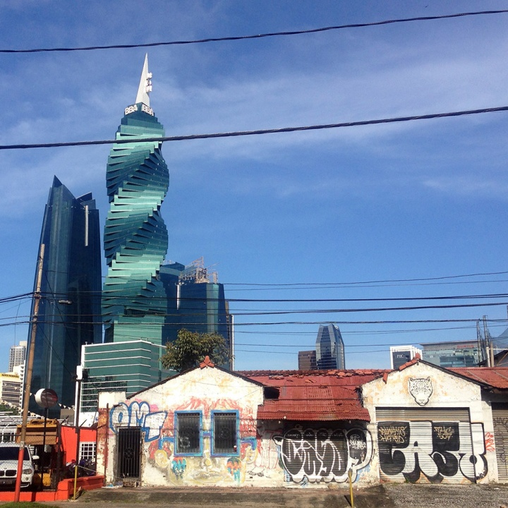 frontier-free-drifting-panama-old-building-and-new-skyscraper