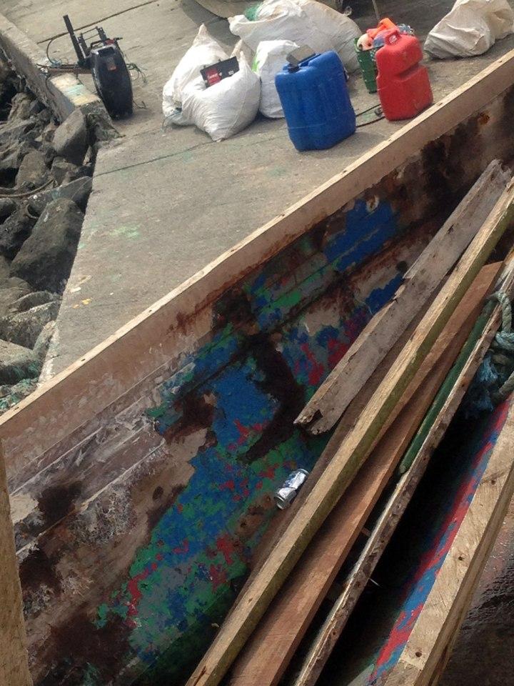 frontier-free-drifting-panama-peeling-boat-paint