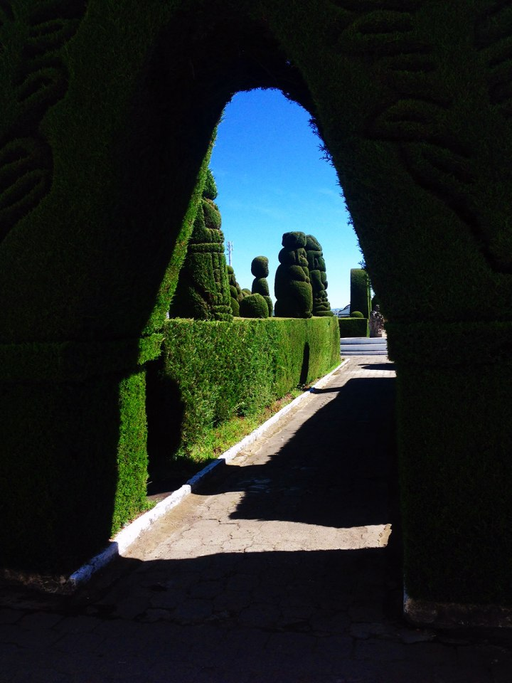 frontier-free-drifting-tulcan-cemetery-ecuador-archway