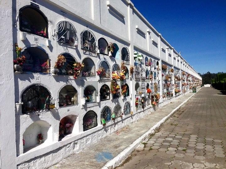 frontier-free-drifting-tulcan-cemetery-ecuador-graves
