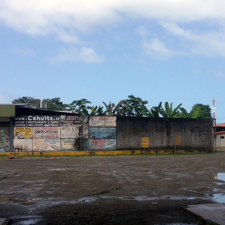 Frontier-Free-Drifting-Cahuita-Signs